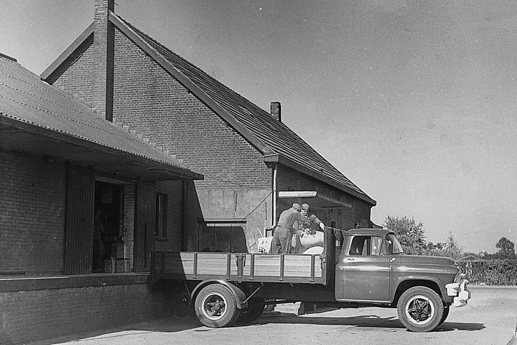NHE - 00.001 eerste vrachtwagen Boerenbond