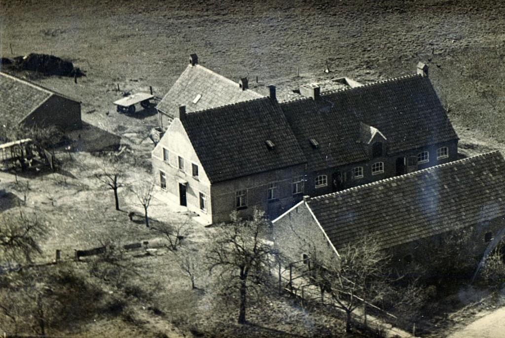 NHE - 00.506 luchtfoto bedrijf Louis Winkelmolen
