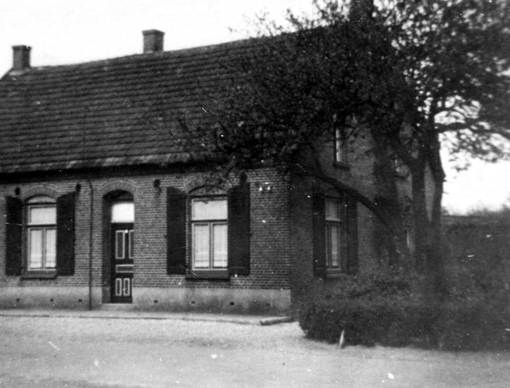 NHE - 02.481 woonhuis H. Tijssen