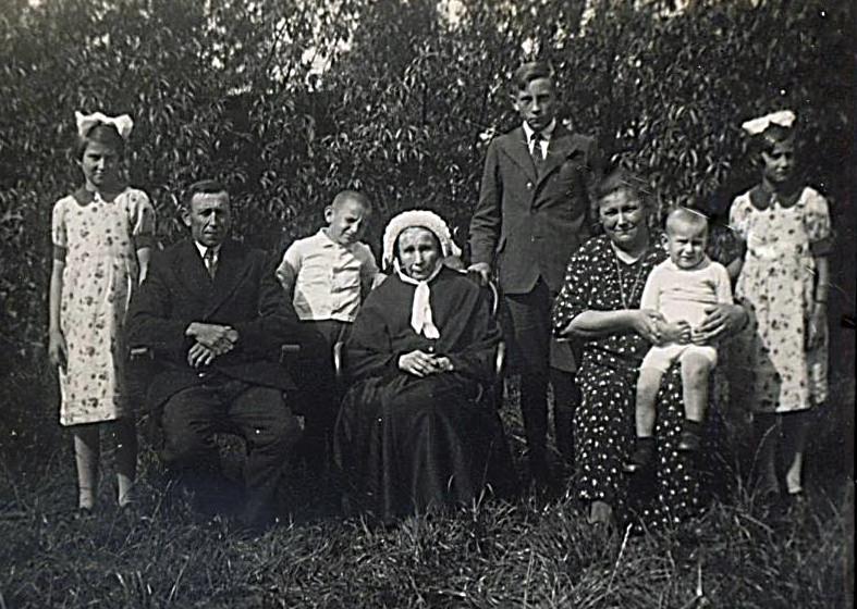 NHE - 00.142 familie Rooijakkers-Loomans