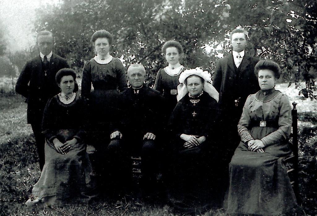 nhe-00-876-familie-rooijakkers-stammen